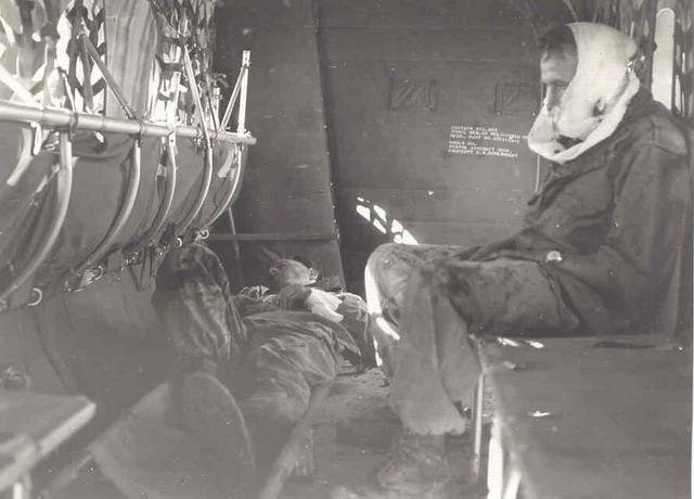 [Aéro divers] Le GHAN-1 (31F, 32F et 33F) en Algérie... - Page 8 Evacus10