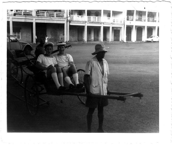 [Opérations diverses] ALBUM du CLEMENCEAU - Pacifique 1968 - Page 2 Img_0235