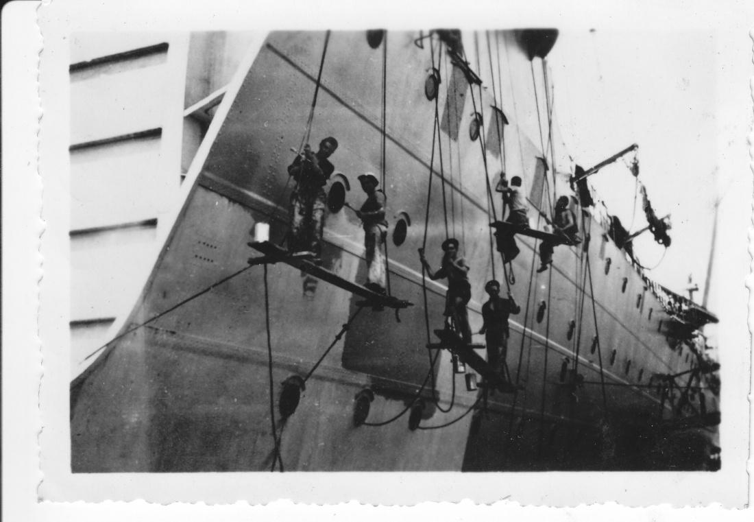 [Les traditions dans la Marine] LES CORVÉES - Page 2 Img_1062