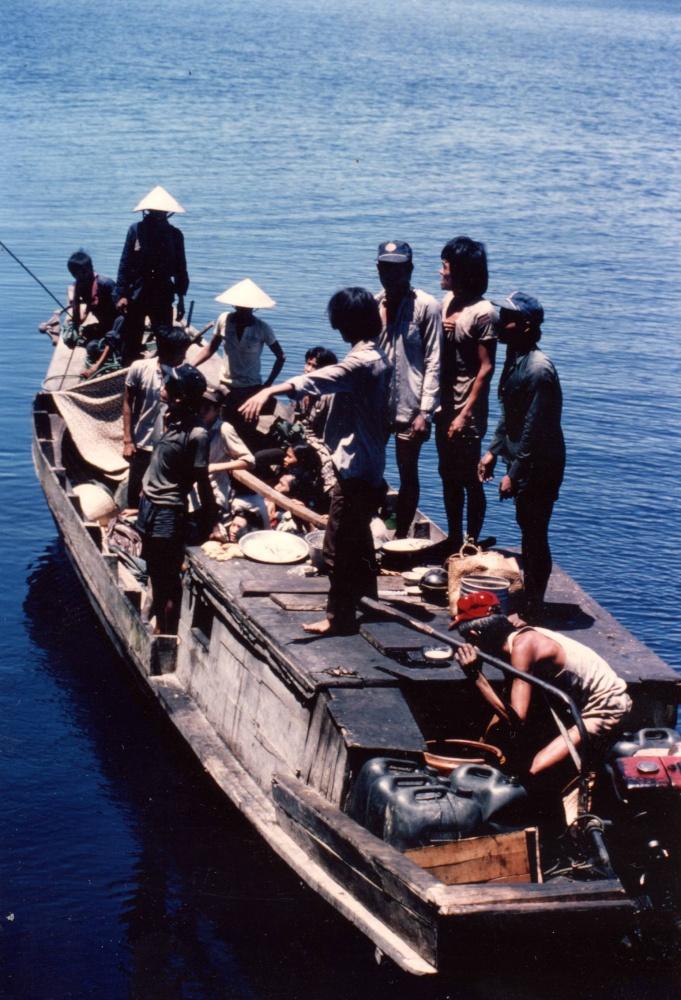 [Opérations diverses] Sauvetage des boat-people 1987_m18