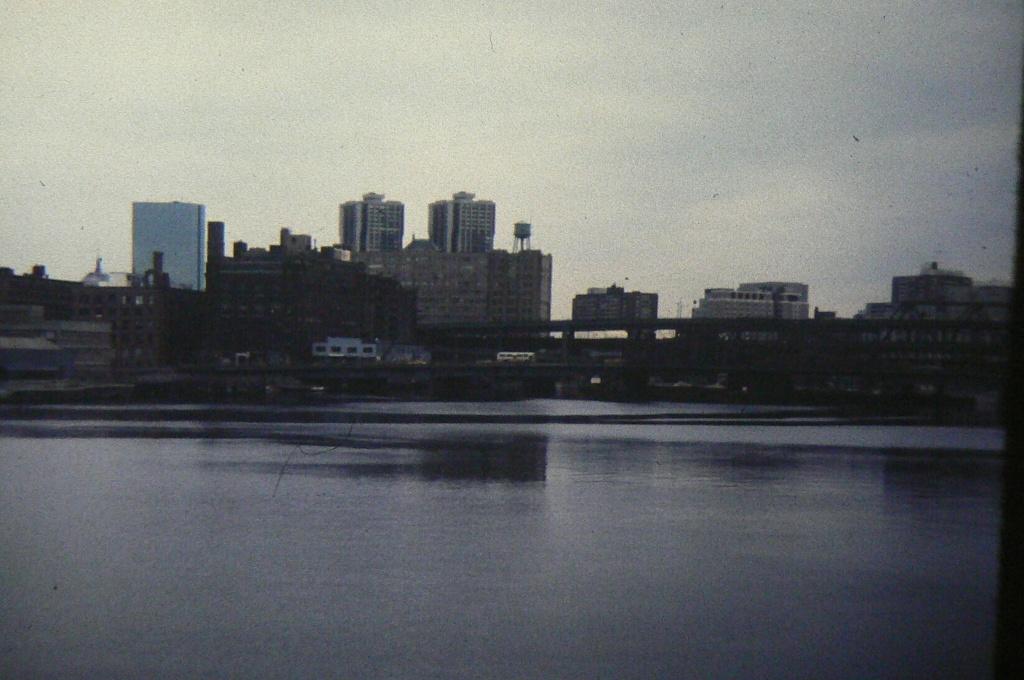 VAUQUELIN (EE) - Page 5 Boston13