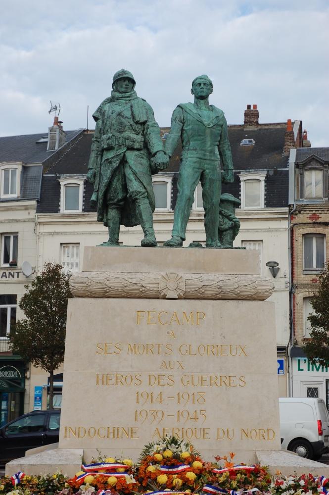 [Histoires et Histoire] Monuments aux morts originaux Français Tome 1 Dsc_0316
