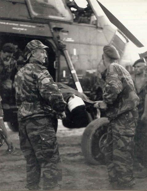 [Aéro divers] Le GHAN-1 (31F, 32F et 33F) en Algérie... - Page 8 Evacu_10