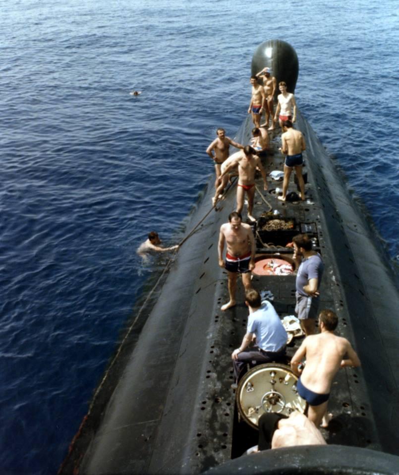 [ Associations anciens Marins ] Les membres du MESMAT nouvel équipage de la FLORE - Page 3 Flore10