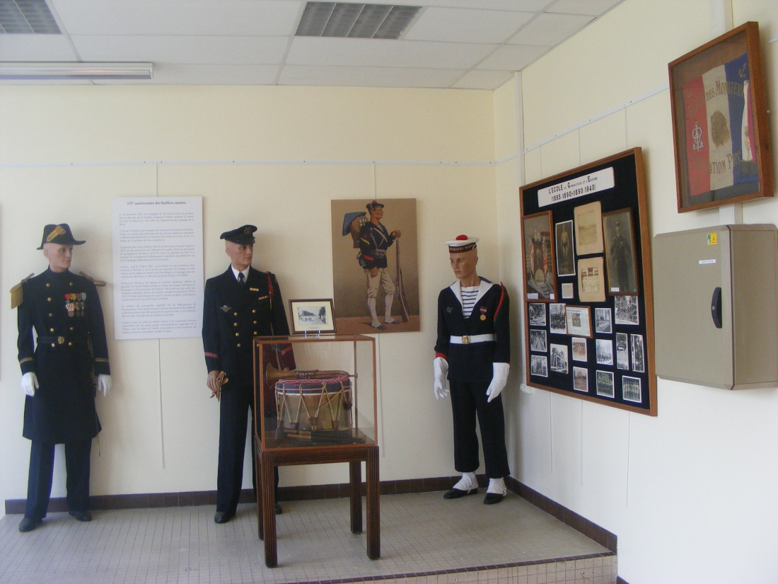 Fusiliers Marins et Fusilieres - Page 5 Muse_d10
