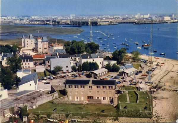 [Les ports militaires de métropole] Port de LORIENT - Page 6 Pim00010