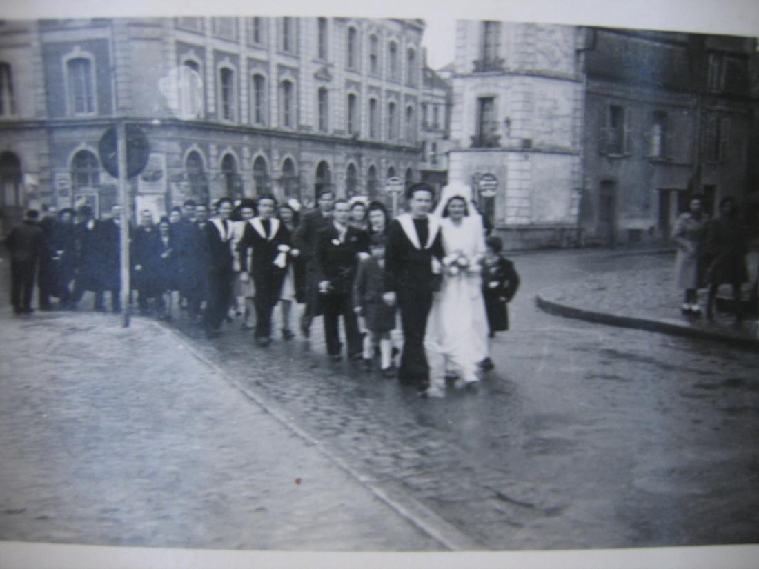 [Les traditions dans la Marine] Mariage en tenue - Page 7 Romill13